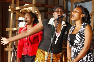 01_YoungWomenSinging
